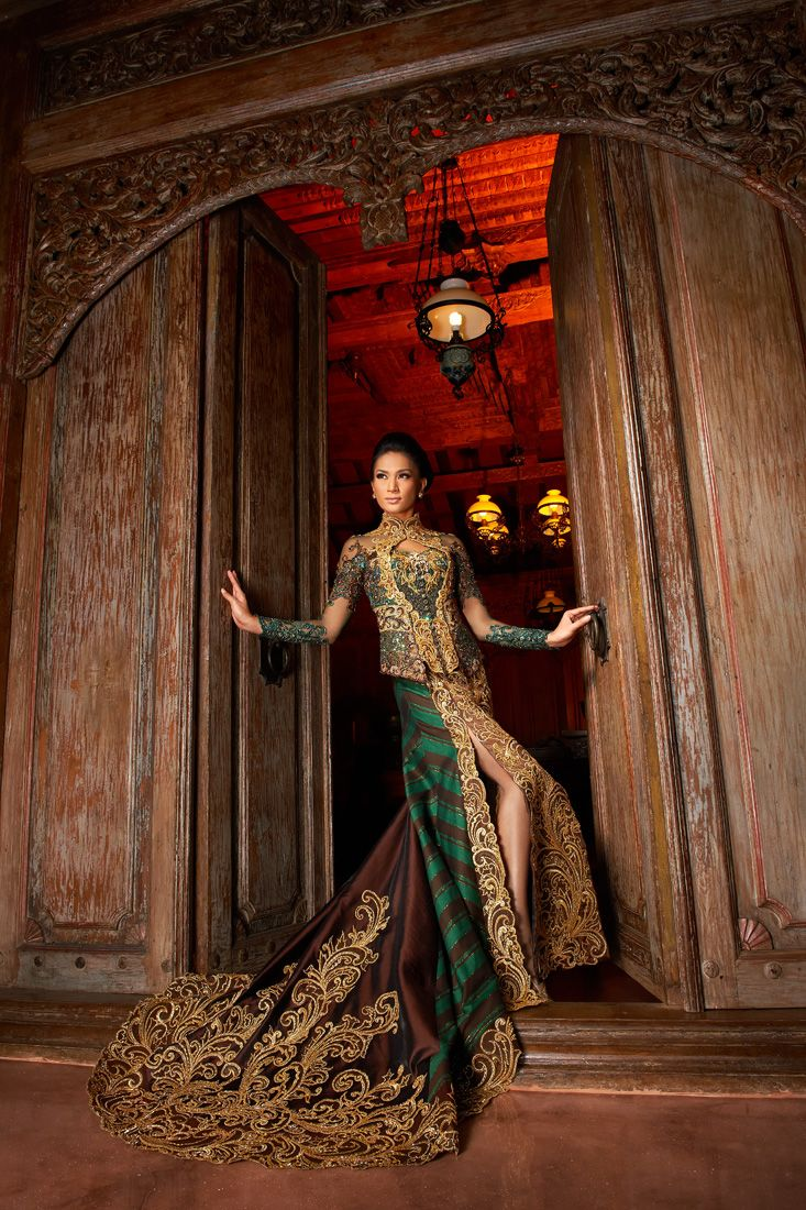 an Eye Notes: Kebaya Instyle Magz - Fashion sperad for Djoko Sasongko - Indonesian Kebaya