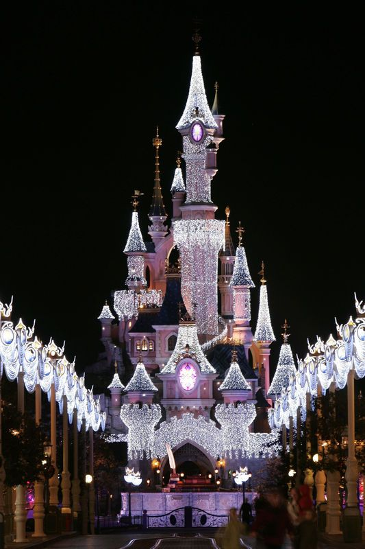 #Chritsmas holidays is the perfect time for bringing your children to #Disneyland #Paris. Originally Euro Disney Resort, Disneyland Paris is an entertainment resort in Marne-la-Vallée, a new town located 32 km east of the centre of Paris. It is the most visited attraction in all of France and Europe.