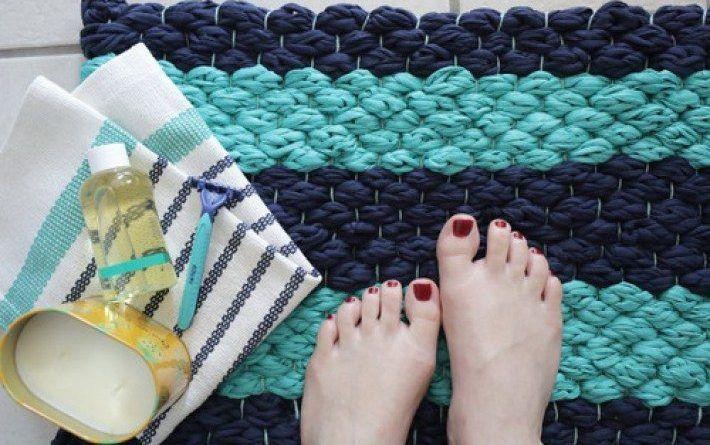 Очень красивый коврик для ванной комнаты, сделанный своими руками — В Курсе Жизни