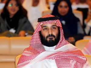 """O príncipe herdeiro saudita qualificou esta sexta-feira o guia supremo iraniano de """"novo Hitler"""", em entrevista ao New York Times, num momento em que aumentam as tensões entre a Arábia Saudita sunita e o Irão xiita. http://sicnoticias.sapo.pt/mundo/2017-11-24-Principe-herdeiro-saudita-designa-guia-supremo-do-Irao-de-novo-Hitler"""