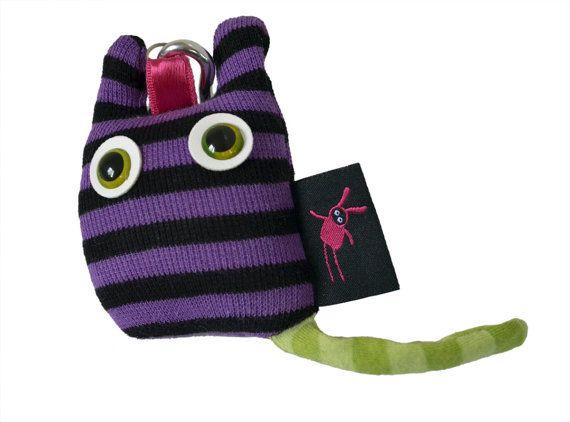 purple kitty keychain  Toy /plush toy / cat by kiziumonsters, €8.00