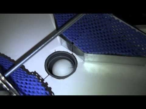(28) SteweBugs - My homemade RoboPong (pingpongový trenažér) - YouTube
