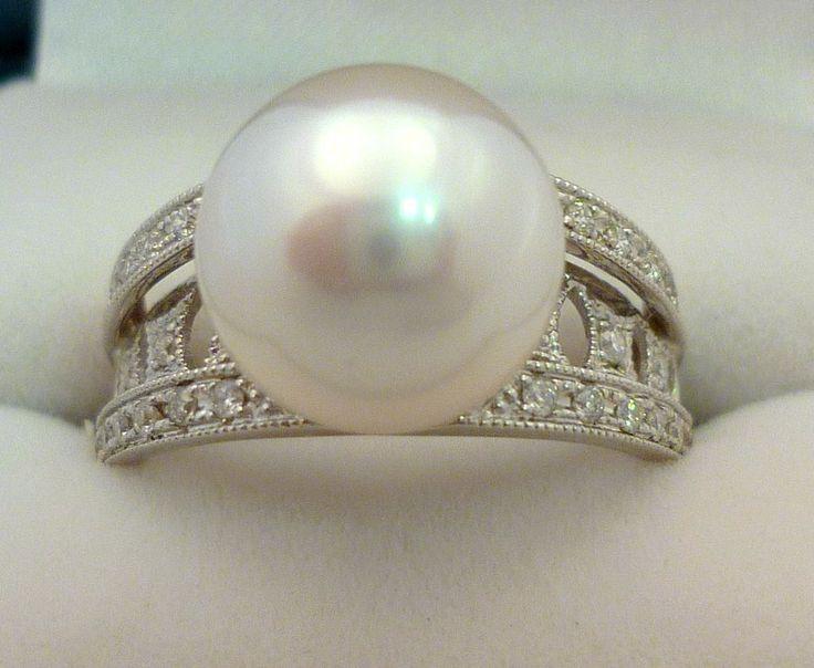 Gorgeous 18Karat white gold South Sea ring with diamonds. #gold #diamonds #pearl #ring