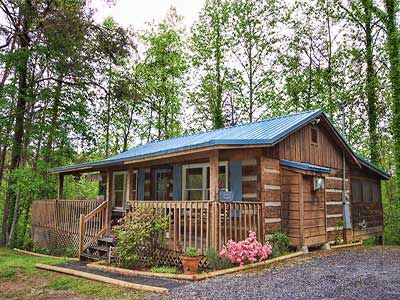 Mountain Memories Vacation Cabin Rental in Pigeon Forge and Gatlinburg Tennessee