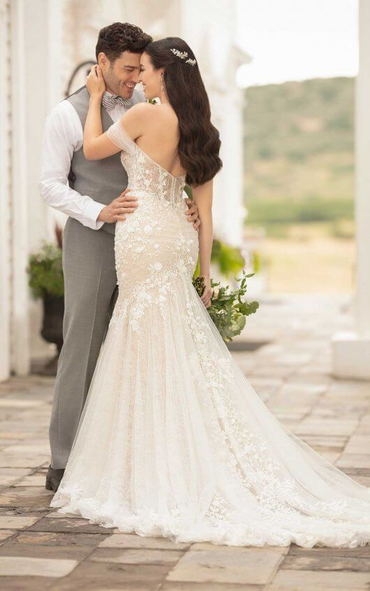 2cb04bdfd23 Sparkling Wedding Dress with Floral Details - Martina Liana in 2019 ...