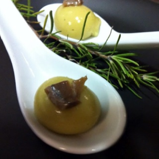 Olive spheres with anchovies