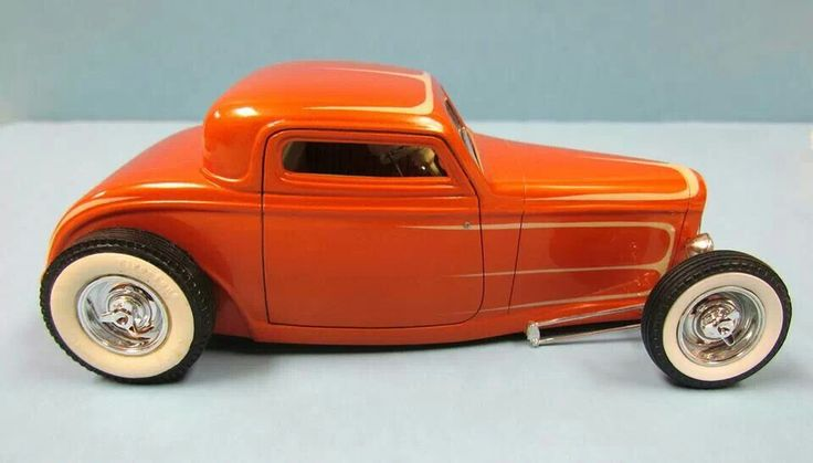 Custom Hot Rod Model Cars.1932 Ford three window coupe. 1 25 scale.