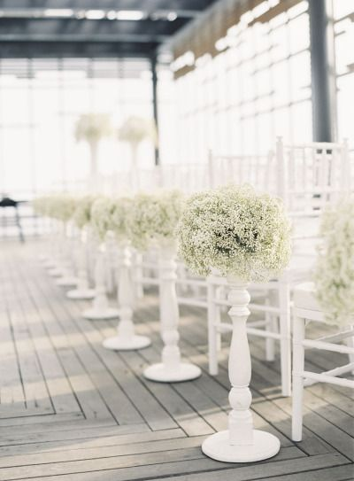 baby's breath lined aisle Photography by Caroline Tran Photography / carolinetran.net, Planning by Gusri / gusriweddingservices.com