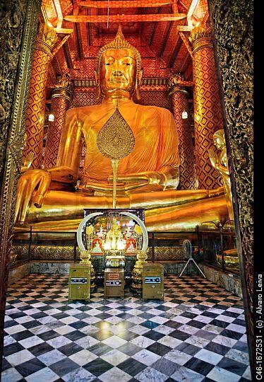Ayutthaya Buddha statue at Wat Choeng Phanan, Thailand.