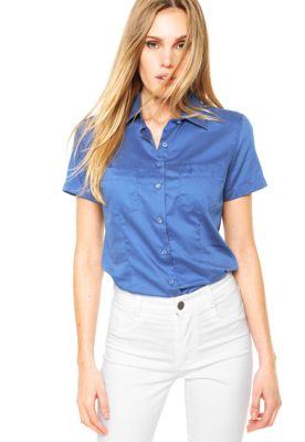 Camisa Manga Curta Dudalina Poá Azul, com estampa de póa, um bolso e  bordado frontal da marca. Possui modelagem reta, mangas curtas, gola de ponta e fechamento frontal por botões.Confeccionada em tecido plano 100% Algodão.Medidas: Ombro: 13cm/Mangas: 19cm/Busto: 98cm/Comprimento: 60cm/Tamanho: 38.Medidas da Modelo: Altura: 1,78m/ Busto: 83cm/ Cintura: 61cm/ Quadril: 90cm.