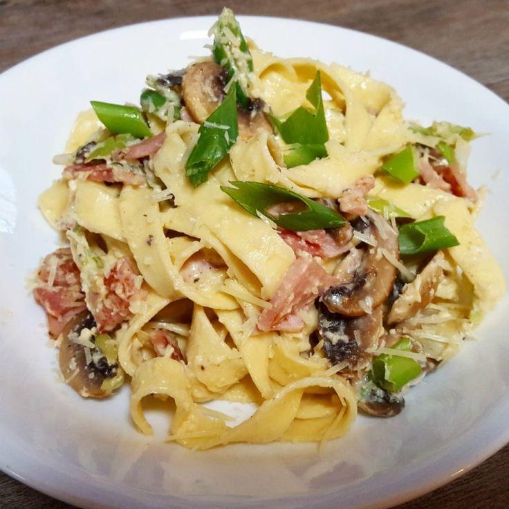 Healthy Creamy Carbonara Pasta
