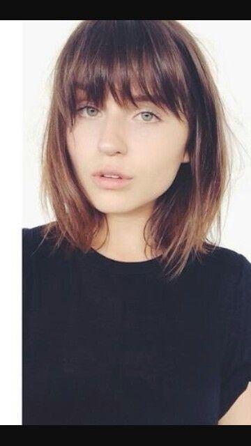 unstyled medium length hair