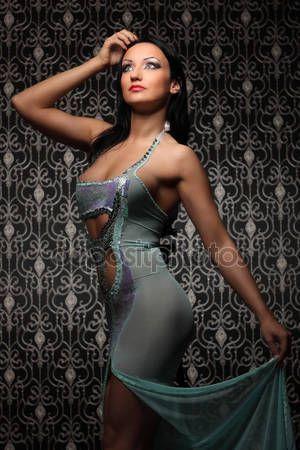 Güzel kadının lüks iç çamaşırı moda çekimi - Stok İmaj #46397287