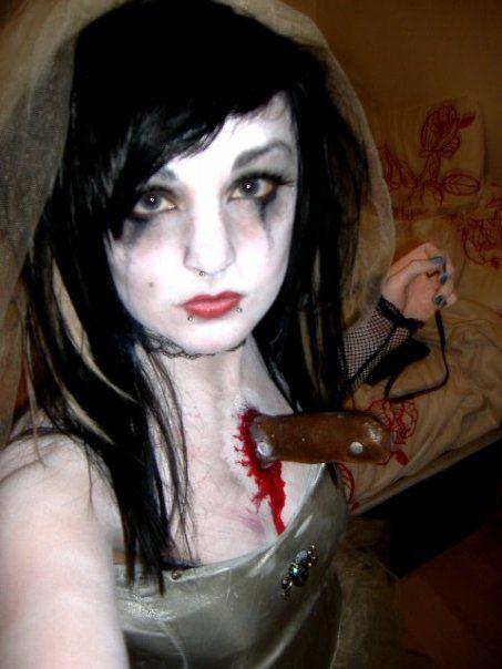 love this dead bride costume murder wedding great halloween idea - Great Halloween Ideas