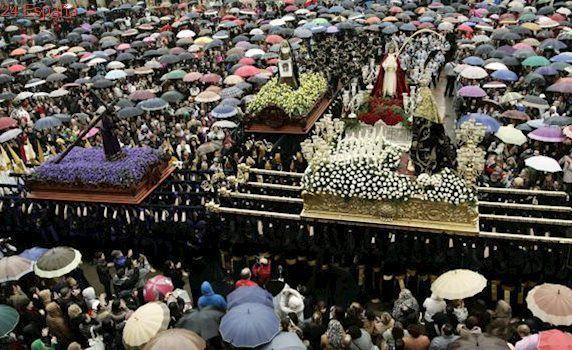 Ferrol excluye a las procesiones de su folleto turístico de Semana Santa