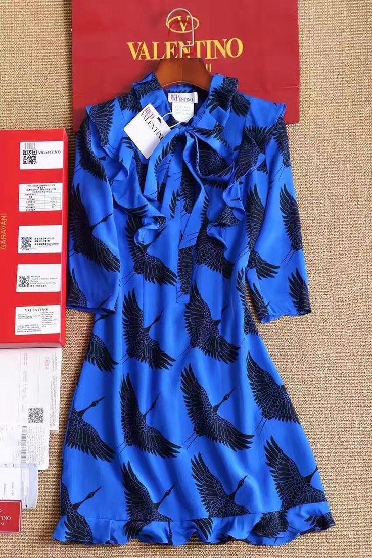 Valentino коктейльное голубое платье с птицами!