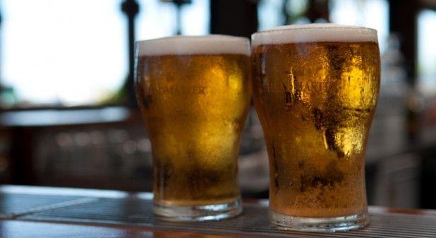 Tomar 1 o 2 cervezas al día previene infartos y otras complicaciones cardiovasculares