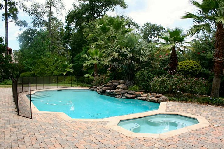 Beautiful pool. More details call us (281) 898 1591
