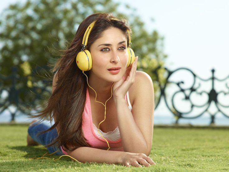 Kareena Kapoor Latatest Iball Ad Poster TeluguCinema