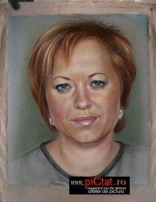 Tablouri pictate: Portret pictat cu femeie blonda Pictura dupa fotografie exemple Pictura Portrete