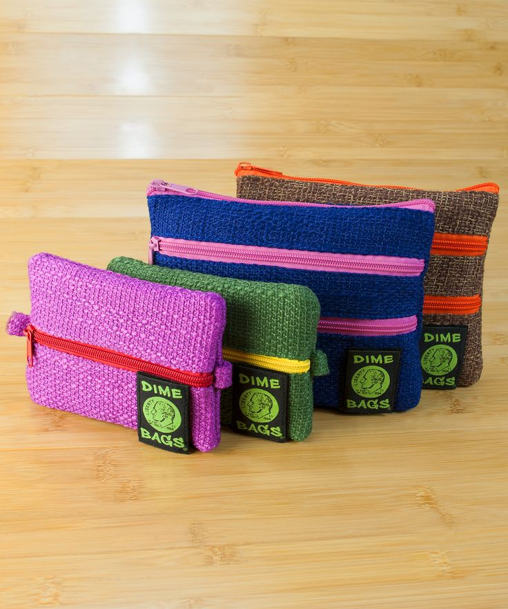 Dime Bags Zipline 6″ Hemp Pouch is the first-ever Dime Bag pouch to be designed with colorful zippers. This little pouch is perfect for everyday use because of its attractive yet durable design. Includes a smell/spill proof pouch.