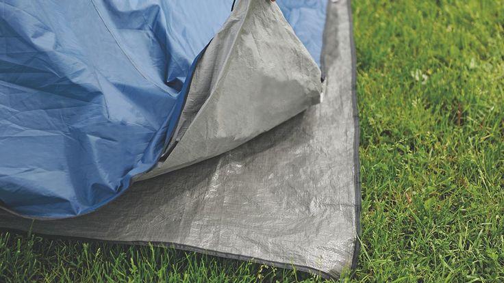 Zeltunterlage passend für das Zelt Earth 2. Die praktische Unterlage hält den Zeltfußboden sauber und vermeidet Abrieb. Außerdem isoliert sie zusätzlich gegen die Kälte des Bodens. Die Outwell Plane sollte vom Zelt vollständig bedeckt sein, damit kein Regenwasser unter das Zelt geführt wird.  • Zusatzinformation: - Material: 100 % Polyethylen - Polyethylen ist langlebig und leicht zu wasche...