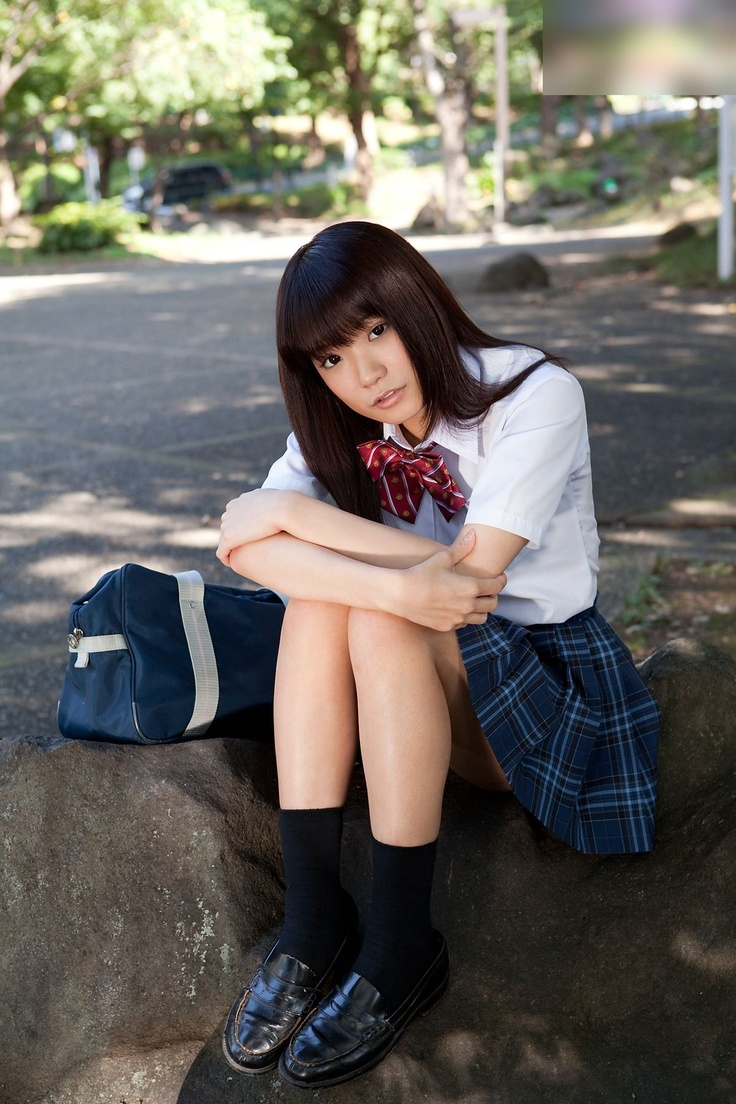 asian-schoolgirl-mound