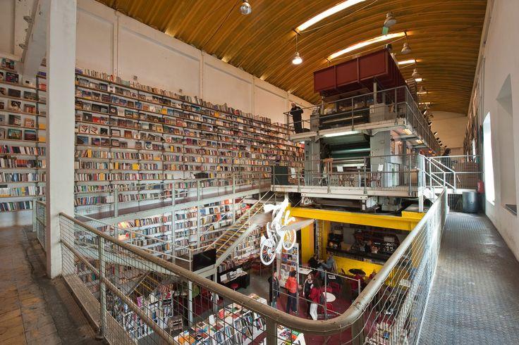 Lx Factory: Espacio interior de la 'factoría'.