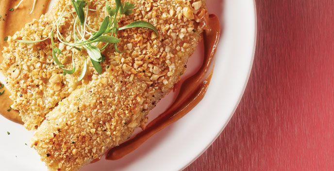 Cacahuate y pescado son los ingredientes principales de esta receta de pescado encacahuatado.