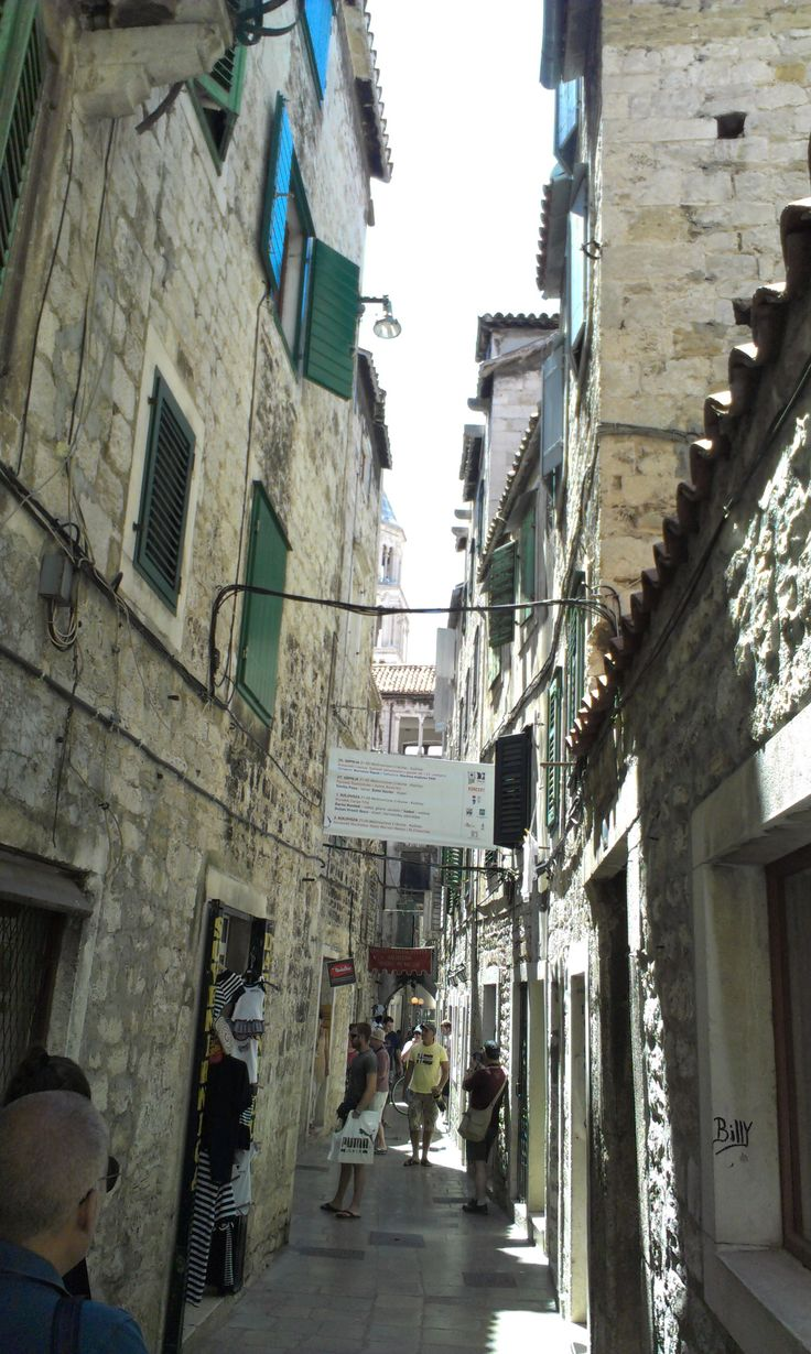 Narrow Streets Split #Croatia http://www.flyeattravel.com/top-reasons-visit-croatia-summer/