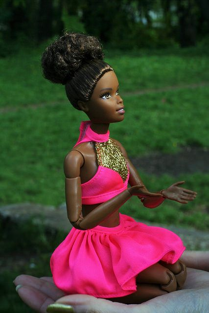 "26715365535_ecc0b87869_z.jpg"" class=""main-photo"" onload=""registerFirstPhoto(this)"" alt=""barbie made to move Asha doll | by zhulovayaroslava""> (427×640)"