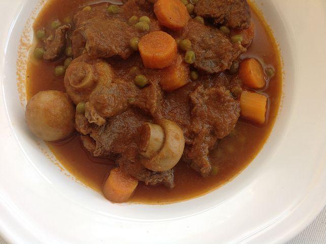 receta de ternera guisada con champiñonesy vermut blanco