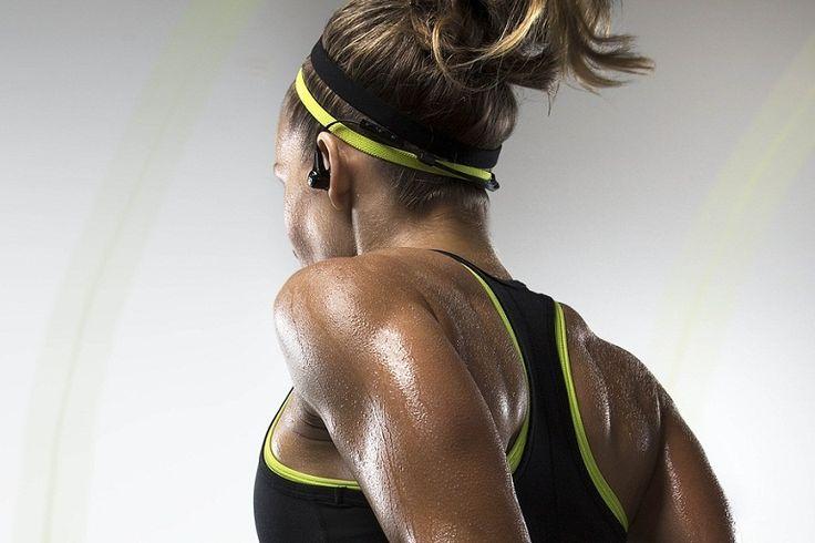 Csináld végig ezt a full body (teljes testedzés) gyakorlatsort, hogy átmozgasd magad. Talán egyszerűnek tűnhetnek a gyakorlatok, de a 3. ismétlés után meglátod, hogy nem is annyira könnyű! Viszont nagyon hatékony, ami után másnap garantált az izomláz! Haj