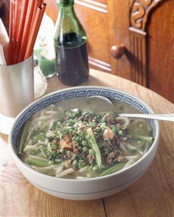◆モンゴルうどん◆ こんなうどん食べたことない!ヨーグルトの酸味とナンプラーの風味がポイントの変わりうどんです。でも妙にしっくりくる味なんです。ヨーグルトは火を通しすぎないように。