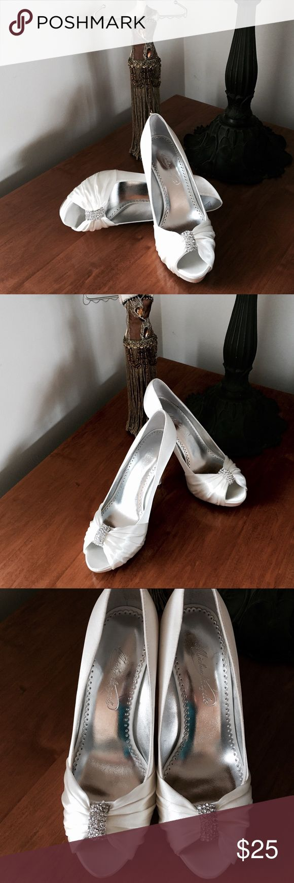 Shop Womens Michael Angelo Size Heels At A Discounted Price Poshmark Description Satin Diana Off White Wedding Shoes 7 M