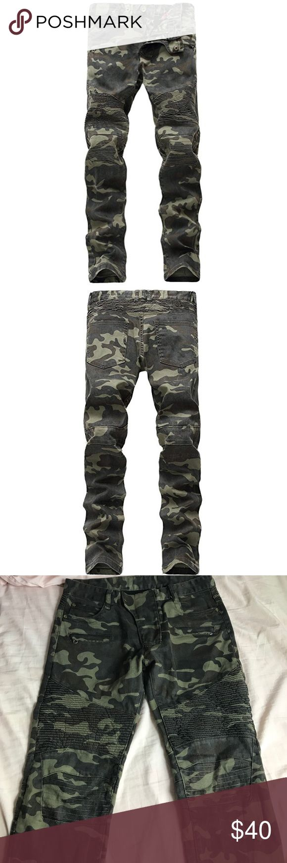 Camouflage skinny jeans PERFECT CONDITION. NEVER WORN. Camo and biker style skinny jeans. Size 32 32. Men's boutique purchase Jeans