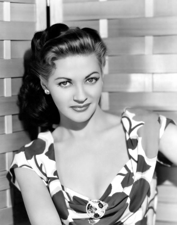 Yvonne De Carlo, 1947