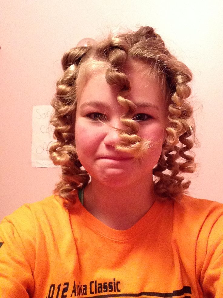 28+ [curling hair with straws]