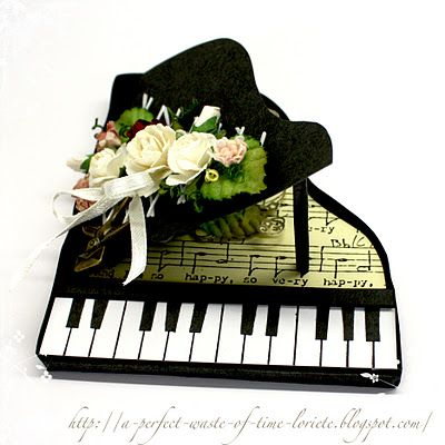A perfect waste of time: Template for a piano card - if you add legs, it would be great for a doll!.