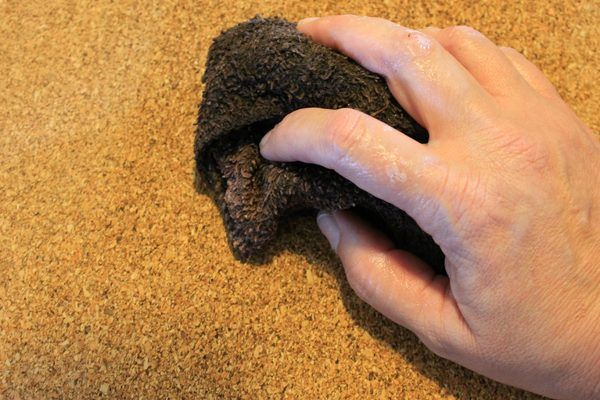Shellac primer needs to be used before applying indoor acrylic latex house paint. Types of Paint For Use on Corkboard (with Pictures) | eHow | eHow
