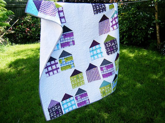 Lap quilt, modern geometric quilt, toddler quilt, baby quilt, crib quilt, baby blanket, wall hanging - gender neutral - houses - fleece back