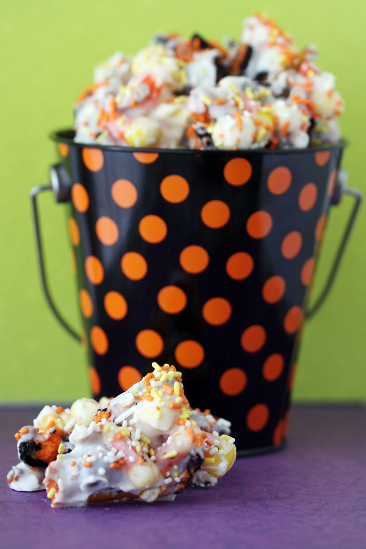 ... Corn Cake Pop Topped Cupcakes And A McCormick Spice Spooky Squa