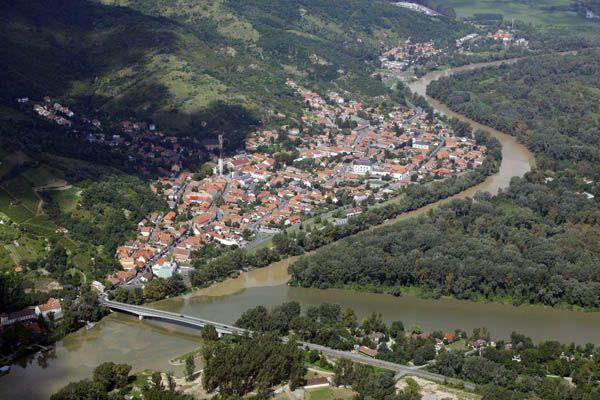 TOKAJ, het wereldberoemde dorp waar de heerlijke dessertwijn vandaan komt. Een bijzondere regio in het noorden van #Hongarije.
