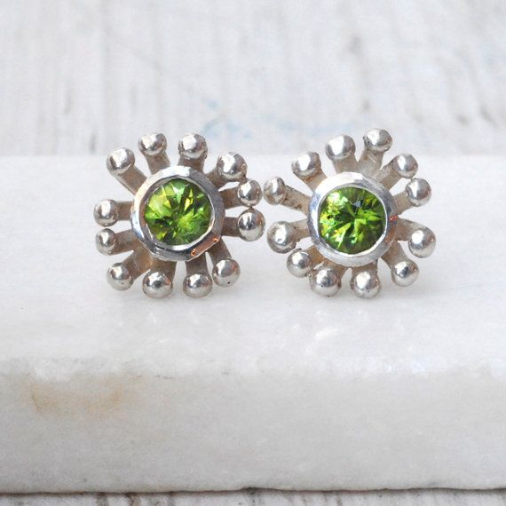 Green Peridot Earring  Sterling Silver Flower by SunSanJewelry,