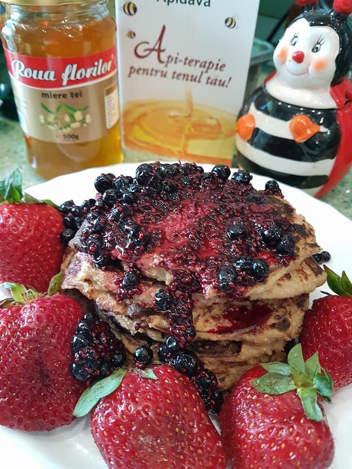 Pancakes Raw cu dulceata cruda