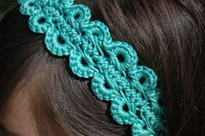 """calypso hairband crochet pattern and Tutorial for """"hairpin lace crochet"""" I've never seen this technique, it's done on a """"loom"""" looks super easy!"""