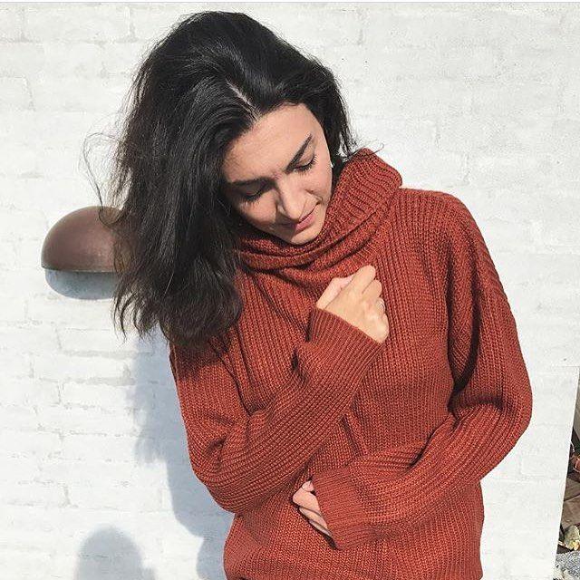 Amira Helene in Kys knit top