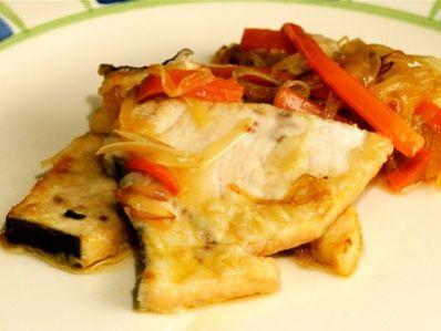 http://canalcocina.es/receta/pez-espada-escabechado