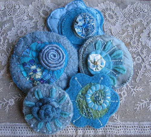 Wooly jumper brooches by kayla coo, via Flickr