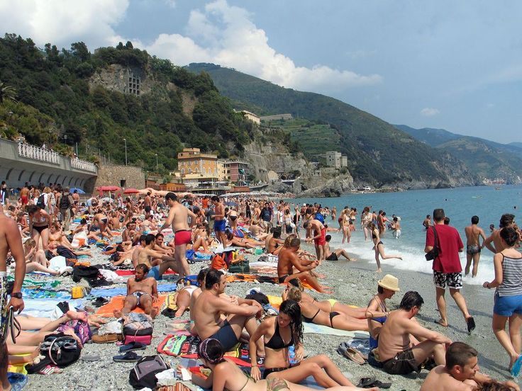 Salviamo le Cinque Terre dal turismo di massa